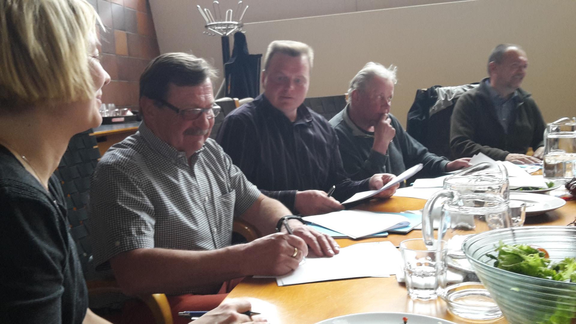 Hankesopimus allekirjoitettiin 23.4.2015.