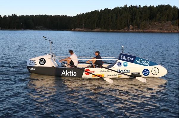 Kokeneet valtameripurjehtijat Markus Mustelin ja Jolle Blässar ovat purjehtineet Atlantin yli monta kertaa, mutta tulevana syksynä valtameri on tarkoitus ylittää soutaen.